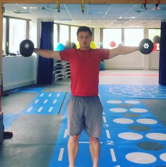 shoulder box, exercice musculation epaule